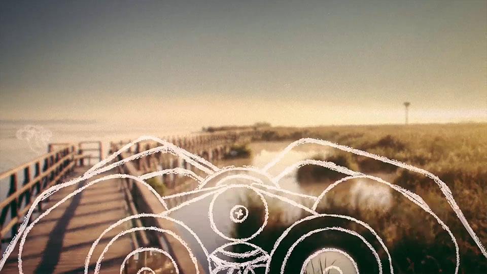 Aus dem NABU BW Imagefilm - Scribble-Fernglas vor Wasserlandschaft